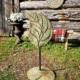 Left facing leaf pop sculpture